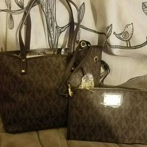 13bf0aafedcd Women s Discount Designer Handbags Authentic on Poshmark